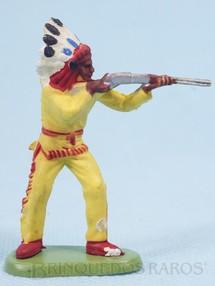 Brinquedos Antigos - Britains - Chefe índio de pé atirando com rifle Década de 1970