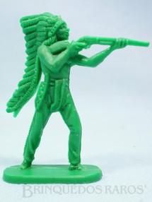 1. Brinquedos antigos - Casablanca e Gulliver - Chefe índio de pé atirando com rifle Plástico verde Década de 1980