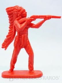 1. Brinquedos antigos - Casablanca e Gulliver - Chefe índio de pé atirando com rifle Plástico vermelho Década de 1980
