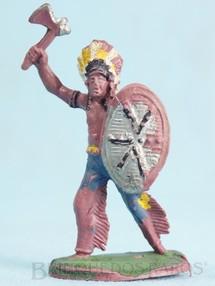 1. Brinquedos antigos - Casablanca e Gulliver - Chefe índio de pé com Escudo e Machado Gulliver Década de 1970