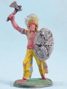 1. Brinquedos antigos - Casablanca e Gulliver - Chefe índio de pé com Escudo e Machado Gulliver numerado 23