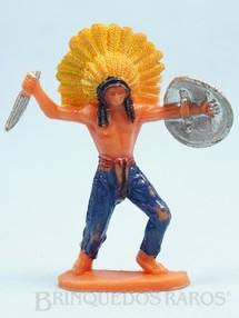 Brinquedos Antigos - Casablanca e Gulliver - Chefe índio de pé com faca e escudo Década de 1970