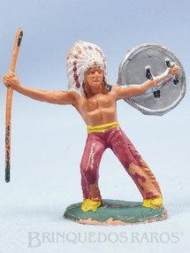 1. Brinquedos antigos - Casablanca e Gulliver - Chefe índio de pé com lança e escudo Gulliver Década de 1970