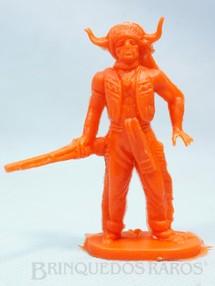 1. Brinquedos antigos - Casablanca e Gulliver - Chefe índio de pé com rifle Plástico laranja Década de 1980