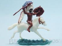 1. Brinquedos antigos - Sem identificação - Chefe Índio montado a cavalo com lança e escudo cópia Timpo Toys Década de 1970