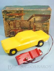 1. Brinquedos antigos - Atma - Chevrolet Corvair Serie 700 1960 Atma Mirim com controle via cabo 28,00 cm de comprimento Coleção Carlos Augusto Década de 1970