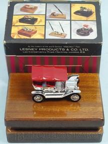 1. Brinquedos antigos - Matchbox - Cigarreira de madeira com 1911 Model T Ford Yesteryear todo cromado Série Cigarette Box