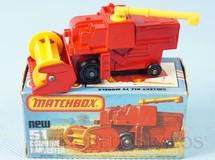 Brinquedos Antigos - Matchbox - Colheitadeira Combine Harvester black plastic Regular Wheels vermelho