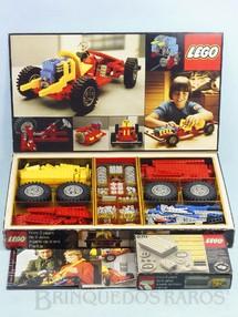 1. Brinquedos antigos - Lego - Conjunto 853 Lego Technic para construir um chassi de carro com motor câmbio etc... versão francesa Completo com manual e folhetos Acompanha Conjunto 870 com motor elétrico Ano 1978