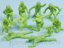 1. Brinquedos antigos - Estrela - Conjunto com 10 Soldados de plástico verde claro Década de 1960