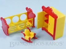 1. Brinquedos antigos - Sem identificação - Conjunto com 3 peças de móveis de Quarto de Bebê de Casa de Bonecas Década de 1950
