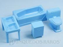 1. Brinquedos antigos - Atma - Conjunto com 4 peças de móveis de Banheiro de Casa de Bonecas Década de 1970