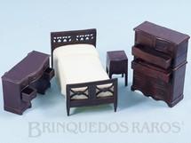 1. Brinquedos antigos - Renwal - Conjunto com 4 peças de móveis de Quarto de Solteiro de Casa de Bonecas Década de 1950