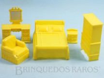 1. Brinquedos antigos - Marx - Conjunto com 5 peças de móveis de Quarto de Casal de Casa de Bonecas Década de 1970