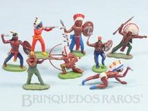 Brinquedos Antigos - Britains - Conjunto com 8 �ndios em diversas poses diferentes D�cada de 1970
