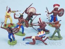 Brinquedos Antigos - Britains - Conjunto com 8 índios em diversas poses diferentes Década de 1970