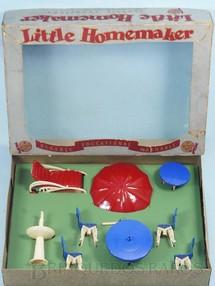 1. Brinquedos antigos - Plasco Toy - Conjunto com 8 peças de móveis de Jardim de Casa de Bonecas Esse conjunto foi importado e vendido pela Estrela Década de 1950