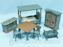 Brinquedos Antigos - Sem identificação - Conjunto de Móveis para Bonecas de 8,00 cm de altura com 7 peças em Pinho de Riga e Carvalho Década de 1930