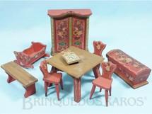 Brinquedos Antigos - Sem identificação - Conjunto de Móveis para Bonecas de 8,00 cm de altura com 9 peças em Pinho de Riga e Carvalho Década de 1930