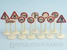 Brinquedos Antigos - Siku - Conjunto doze Placas de sinalização de Transito Década de 1950