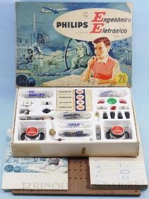 Brinquedos Antigos - Philips - Conjunto Engenheiro Eletrônico Modelo EE20 completo perfeito estado com Manual componentes e cartelas lacradas Década de 1960