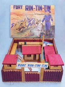 1. Brinquedos antigos - Viocena - Conjunto Fort Rin Tin Tin base 38,00 x 35,00 cm Completo perfeito estado 100% original Caixa Datada 07/12/1970