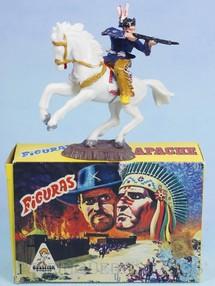 Brinquedos Antigos - Casablanca e Gulliver - Conjunto Índio atirando com Rifle e cavalo Série Figuras Forte Apache perfeito estado 100% original Acompanha a Caixa Original Década de 1970