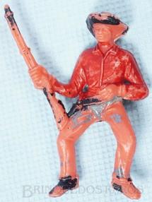 Brinquedos Antigos - Casablanca e Gulliver - Cowboy a Cavalo com rifle Gulliver numerado 129 D�cada de 1970
