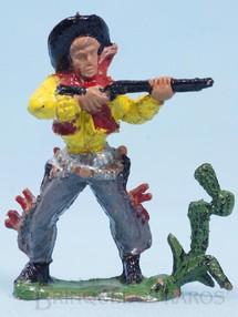 1. Brinquedos antigos - Casablanca e Gulliver - Cowboy de pé atirando com rifle Cactus na base Gulliver numerado 41 Década de 1970 RESERVED***MM***