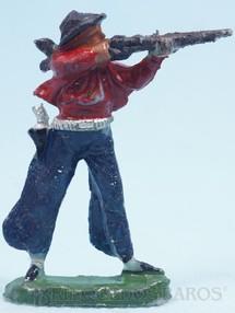 1. Brinquedos antigos - Casablanca e Gulliver - Cowboy de pé atirando com rifle de plástico azul pintado Década de 1960