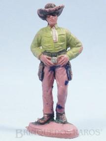 1. Brinquedos antigos - Casablanca e Gulliver - Cowboy de pé com as mãos no cinturão Gulliver Década de 1970