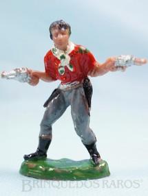 1. Brinquedos antigos - Casablanca e Gulliver - Cowboy de pé com dois revolveres de plástico marrom Década de 1960
