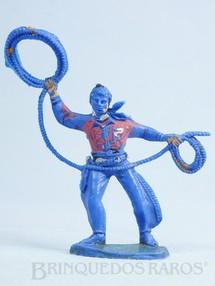 1. Brinquedos antigos - Casablanca e Gulliver - Cowboy de pé com laço de plástico azul pintado Década de 1970
