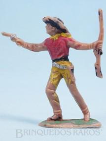Brinquedos Antigos - Casablanca e Gulliver - Cowboy de pé com revolver e rifle Gulliver Década de 1970
