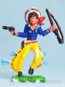 1. Brinquedos antigos - Educa - Cowboy de pé com rifle e revolver 10,00 cm de altura Década de 1970