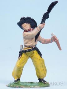 Brinquedos Antigos - Casablanca e Gulliver - Cowboy lutando com rifle e faca Gulliver Numerado 42 Década de 1970