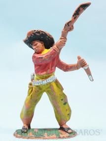 1. Brinquedos antigos - Casablanca e Gulliver - Cowboy lutando com rifle e faca Gulliver Numerado 42 Década de 1970