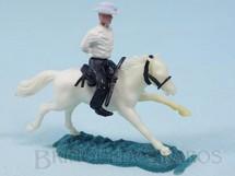 1. Brinquedos antigos - Sem identificação - Cowboy montado a cavalo com as mãos amarradas Cópia Timpo Toys Década de 1970