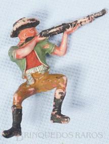 1. Brinquedos antigos - Casablanca e Gulliver - Cowboy Sentado atirando com rifle numerado 131 Gulliver Década de 1970