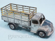 1. Brinquedos antigos - Dinky Toys - Dodge Stake Truck Década de 1950