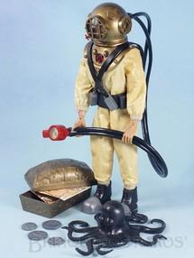 Brinquedos Antigos - Estrela - Falcon Aventura Busca do Tesouro Submarino Luta contra os Oitos Tentáculos Marinhos 100% original completo com Polvo e mais 11 Itens Edição 1977 Preço sem o Boneco