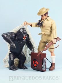 1. Brinquedos antigos - Estrela - Falcon Aventura Safari na África Aprisionando o Gorila completo com Gorila e mais 11 itens Edição 1977 Preço sem o Boneco