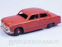 Brinquedos Antigos - Dinky Toys - Ford Fordor Sedan vermelho Década de 1950
