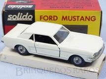 Brinquedos Antigos - Solido-Brosol - Ford Mustang branco Fabricado pela Brosol Solido br�silienne Datado 3-1966