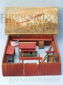 1. Brinquedos antigos - Casablanca e Gulliver - Conjunto Fort Apache Forte Apache completo Sem figuras Década de 1960