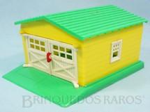 1. Brinquedos antigos - Mirim - Garagem amarela e verde com 25 cm de comprimento Década de 1950