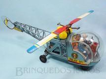 1. Brinquedos antigos - Modern Toys e Masudaya Toys - Helicoptero da Polícia com dois bonecos 40,00 cm de comprimento azul metálico Ano 1967