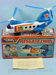 1. Brinquedos antigos - Glasslite - Super Helicóptero Resgate Chips com 34,00 cm de comprimento Sistema Bate e Volta Década de 1980