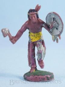 Brinquedos Antigos - Casablanca e Gulliver - Índio de pé com machado e escudo Gulliver Década de 1970