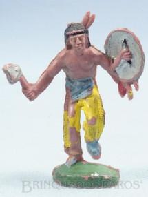 1. Brinquedos antigos - Casablanca e Gulliver - Índio de pé com machado e escudo Gulliver numerado 20 Década de 1970